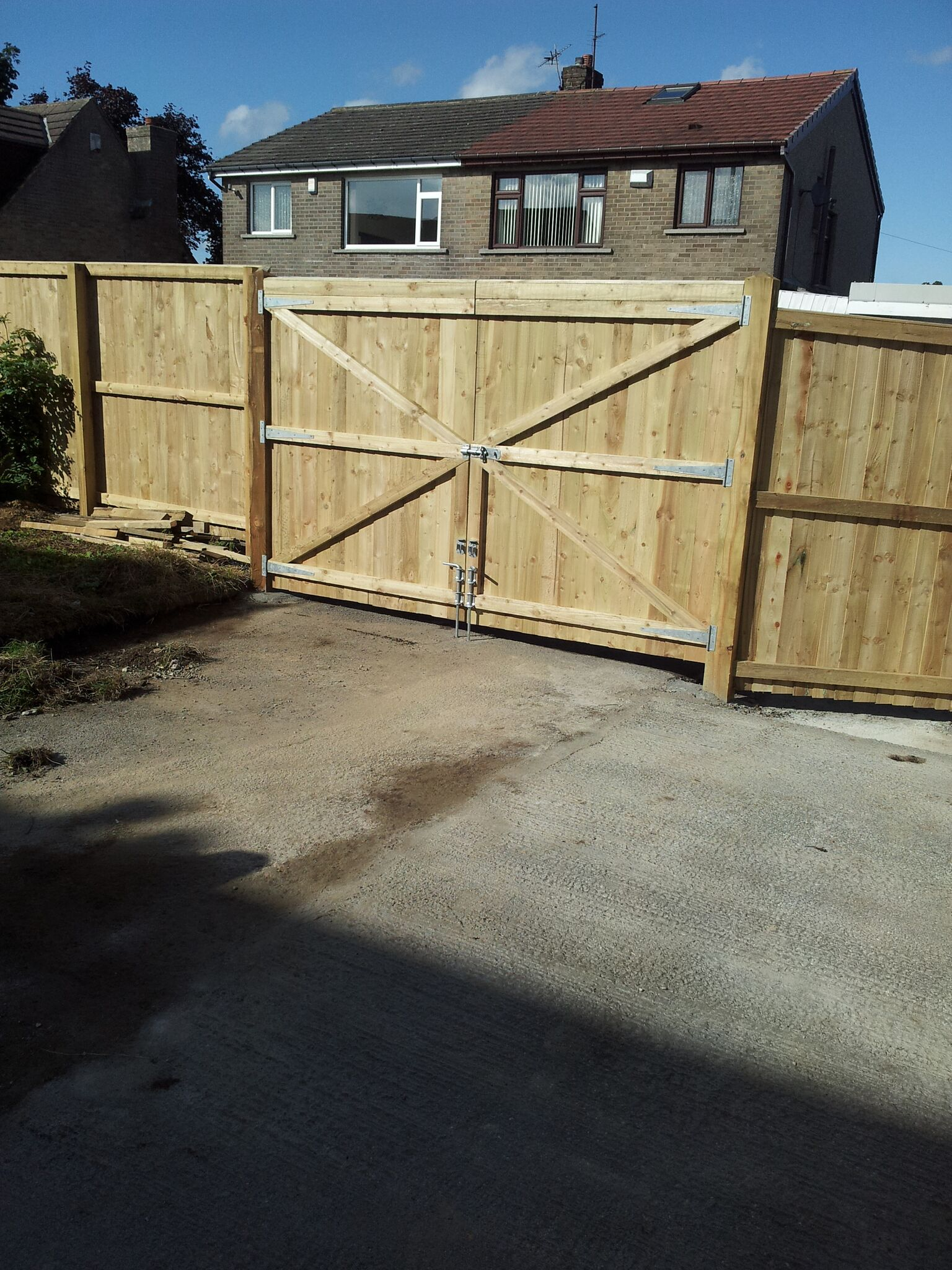 Residential Fencing & Landscaping In Bradford 4