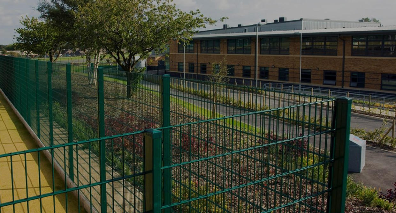 schools-fencing